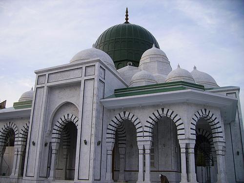 Mazar Sharif - Darbar e Alia Ghamkol Sharif Hazrat Khwaja Zinda Pir Sahib (RA)- closeup view